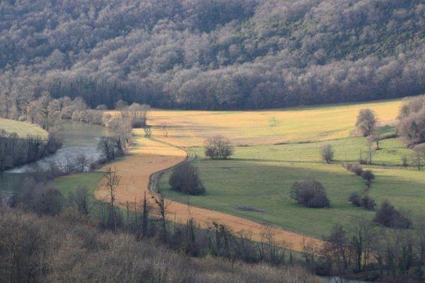 L'usage d'herbicide dans la vallée de la Loue pose question
