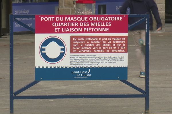 Jusqu'au 7 mars, des communes du littoral bretons voient l'obligation du port du masque, comme Saint-Cast-Le-Guildo