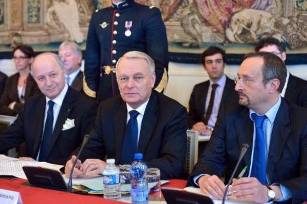 Le Premier ministre, Jean-Marc Ayrault, a présidé un séminaire gouvernemental sur la compétitivité, mardi 6 novembre à Matignon.