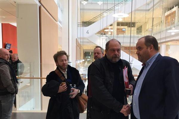 Jacques Poujol (l'ex-directeur général de Spanghero) avec ses avocats, Mes Antoine Vey et Eric Dupont-Moretti.