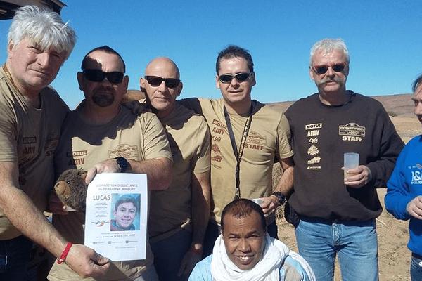 L'avis de recherche de Lucas Tronche a été largement diffusé sur l'Africa Eco Race, qui traverse le Maroc, la Mauritanie et le Sénégal.