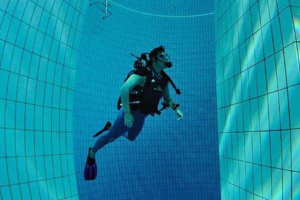 La fosse à plongée de la piscine olympique Dijon Métropole