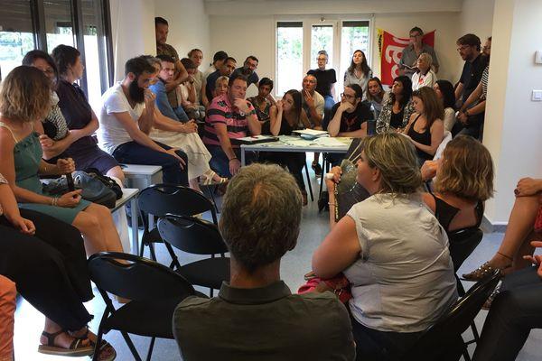 Les personnels soignant du CHU de Saint-Etienne réunis en assemblée générale