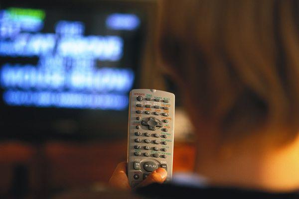 zapping pour accéder aux chaînes de télévision.