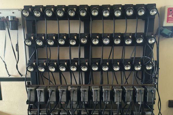Tous les modèles de lampes utilisées par les mineurs durant de nombreuses années sont exposées au musée de la mine de Blanzy.
