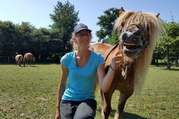 Depuis 6 ans, Anne-Claire Bunodière garde des animaux à domicile.