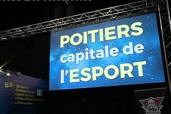 Le stand de Grand Poitiers à la Games Week de Paris.