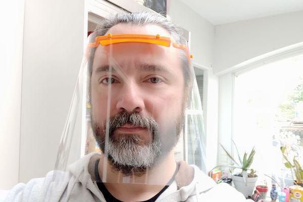 José Vicente Mondéjar, maker boulonnais propose des visières de protection
