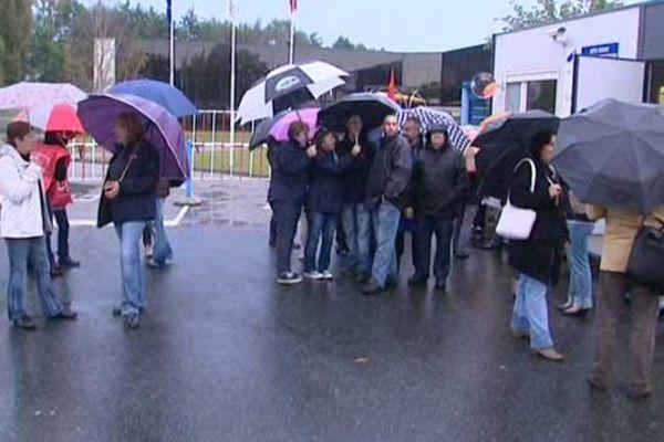 (archive) Débrayage chez Philips à Lamotte-Beuvron en 2014 pour le premier plan de départs volontaires. Deux ans plus tard, le groupe annonce la fermeture du site.