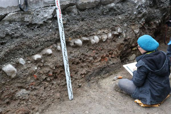 Tranchées creusées place Grenette à Grenoble