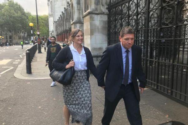 Andrew Coles, le commandant du HMS Turbulent, lors de son arrivée à la Haute Cour de Londres, ce mardi