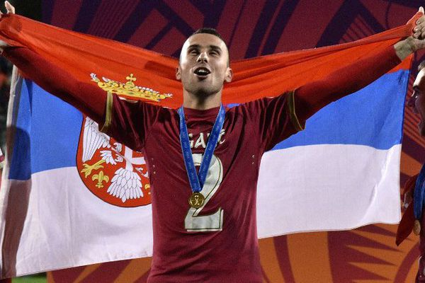 Gajic lors de sa victoire avec la Serbie en finale du Mondial des U20 contre le Brésil en juin dernier.