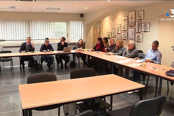 Syvadec, État, collectifs de riverains, collectivité de Corse, tous les acteurs du dossier des déchets se sont rassemblés à Corte, mardi 17 décembre, pour tenter de trouver une solution à la crise.