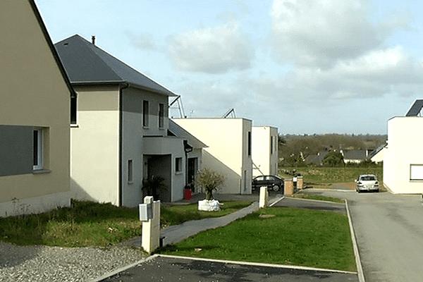 A Forcé près de Laval, les habitants du quartier du Closeau dénoncent les malfaçons de leurs logements BBC