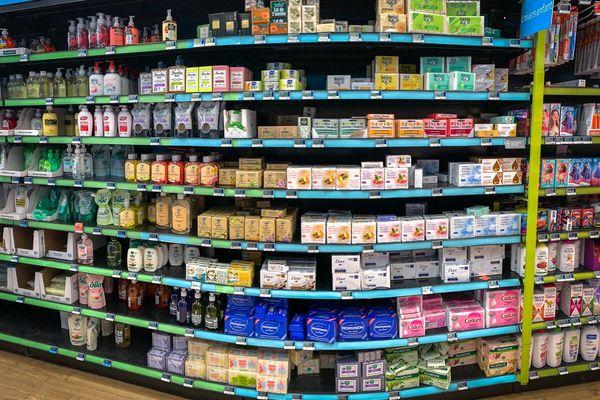 Les savons restent en vente dans les grandes surfaces
