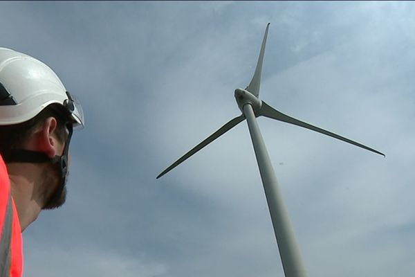 La plateforme Windlab, basée à Amiens, propose depuis 2014 une formation au métier de technicien de maintenance des éoliennes.