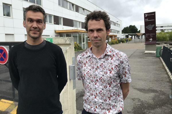 """""""Ça pose des problèmes de tensions entre élèves"""" François Paquereau et Jérôme Ortais, enseignants du lycée."""