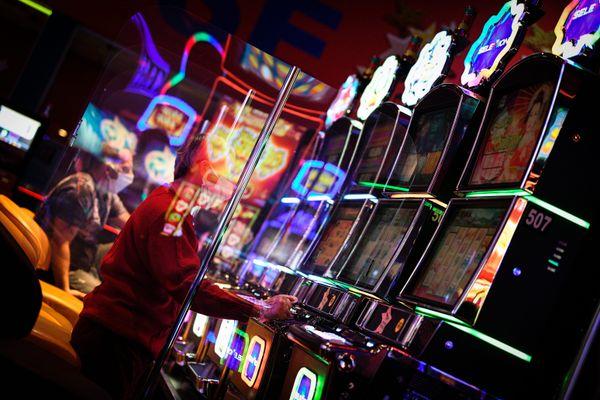 Casino : réouverture pour les machines à sous à partir du 19 mai 2021