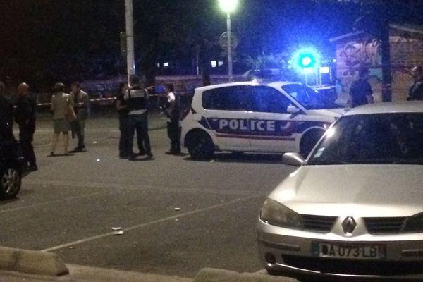 Le quartier est bouclé après la fusillade