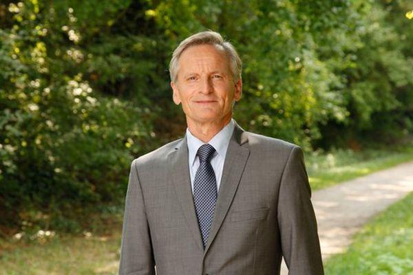 Guy Férez est réélu à Auxerre.