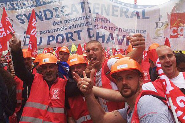 A l'image des dockers du Havre, les normands ont gonflé le cortège parisien ce 14 juin