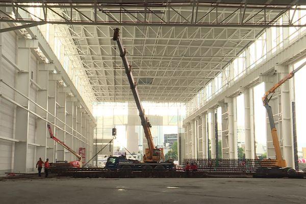 Juillet 2021 : travaux de construction de l'usine d'éoliennes Siemens-Gamesa sur les quais du Havre