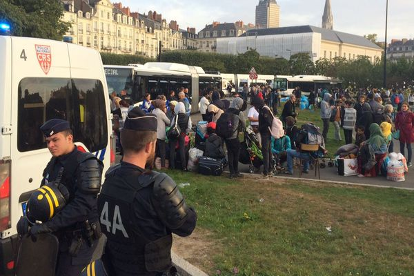 Evacuation du camp de migrants du square Daviais à Nantes, le 20 septembre 2018