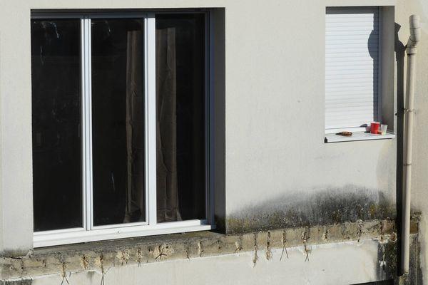 Un balcon s' est effondré samedi 15 octobre au troisième étage de la résidence Surcouf située rue Maillé à Angers causant la mort de 4 étudiants et en blessant 14 autres.