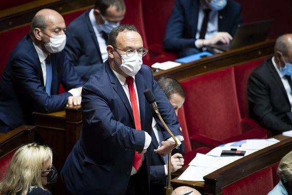 """Coup d'arrêt à """"l'élan réformateur"""" d'Emmanuel Macron, selon Damien Abad, chef de file des députés LR. Le député de l'Ain s'exprimait au lendemain de l'allocution présidentielle du 12 juillet 2021 (image archives)"""