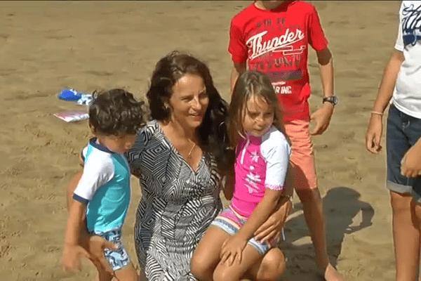 Valérie Bernadat crée des vêtements anti-UV pour les enfants à Gujan-Mestras.
