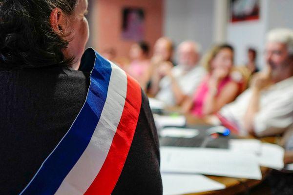 Les élections municipales sont directement liées à la naissance de la République.