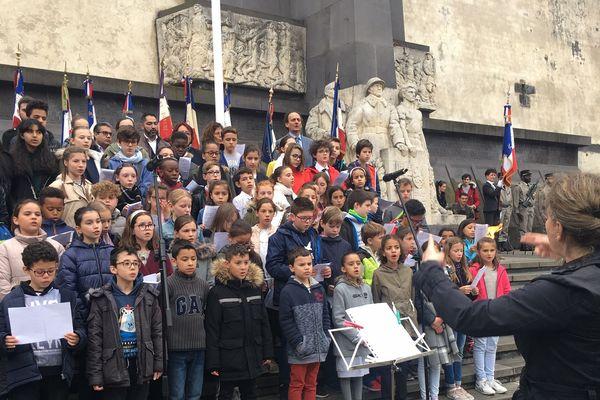 Une chorale d'enfants a participé à la commémoration du 8 mai 1945, à Clermont-Ferrand.