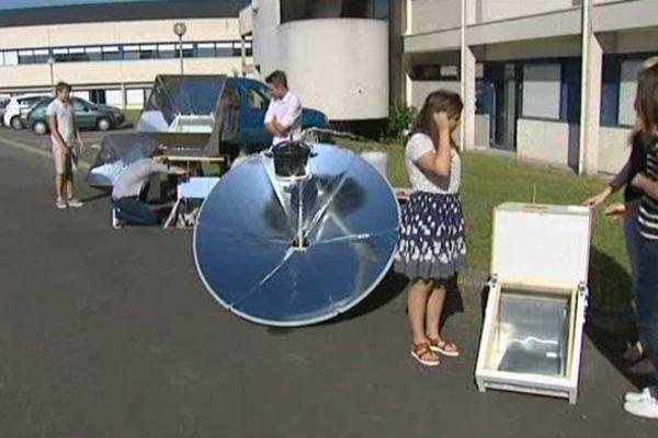 Lycée de Vaucanson - Four et cuiseurs solaires réalisés par des élèves de Terminale S