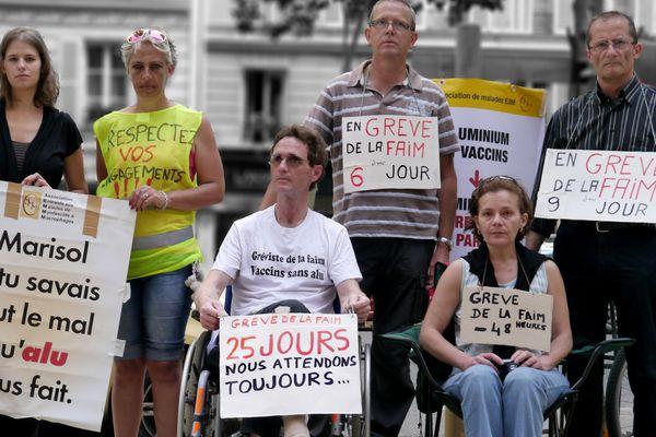 Yves Ketterer dans son fauteuil devant le ministère de la Santé