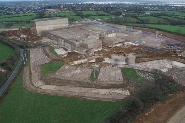 Le chantier de la future usine des Maîtres laitiers du Cotentin