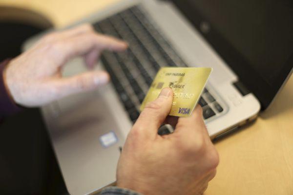 """Les gendarmes de la Loire conseillent d'effectuer ses transactions sur des sites sécurisés. """"Au moment de payer, vérifiez que le site sur lequel vous êtes en train de payer est bien sécurisé (petit cadenas au niveau de l'url)"""""""