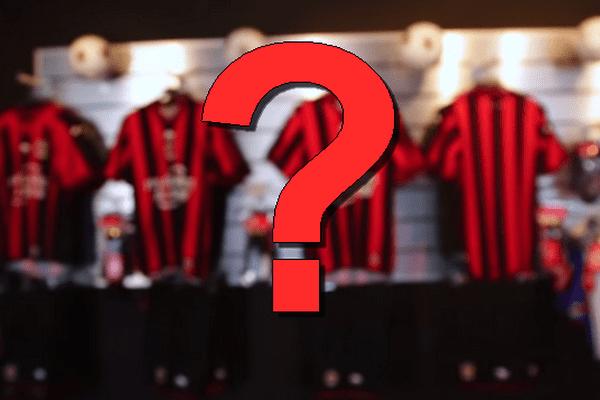 La nouvelle tunique des Aiglons se distingue des précédentes collections par l'emplacement de l'emblème du club...