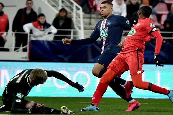 Kylian Mbappé a inscrit un des six buts de son équipe, ce mercredi 12 février, au stade Gaston-Gérard.