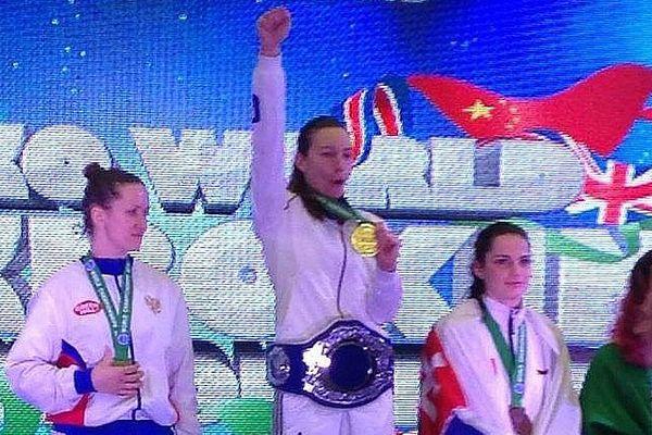 La boxeuse montpelliéraine Laëtitia Madjene vient d'être sacrée championne du monde de full-contact à Dublin, en Irlande - 28 novembre 2015
