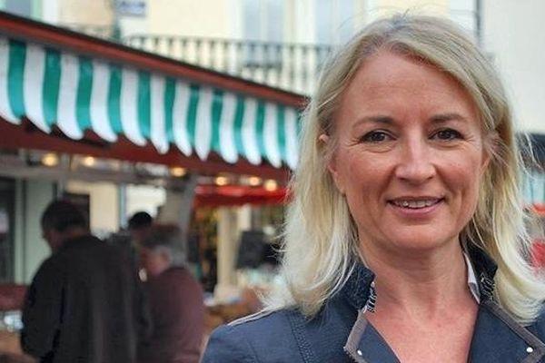 Élisabeth Doineau (UDI) est élue sénatrice de la Mayenne lors de l'élection partielle du 28 septembre 2014, elle succède à JeanArthuis