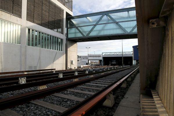 Grève perlée des conducteurs de métro, avant l'ouverture de la station Capitaine Gèze.