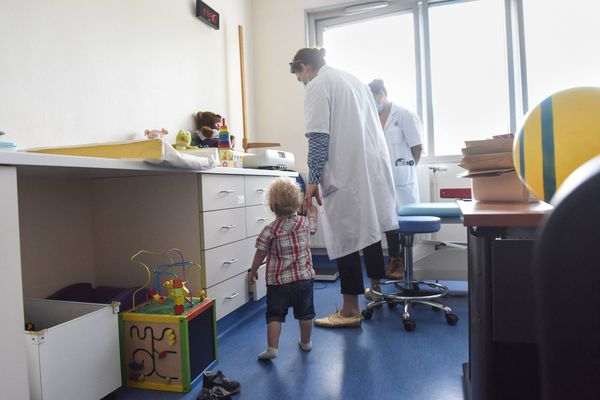 ILLUSTRATION. Dans le Loiret, les familles d'accueil et les établissements spécialisés dans la prise en charge des enfants en danger sont parfois surchargés.