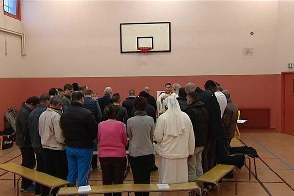 Une messe de Noël est célébrée tous les ans au centre pénitentiaire de Varennes-le-Grand, en Saône-et-Loire