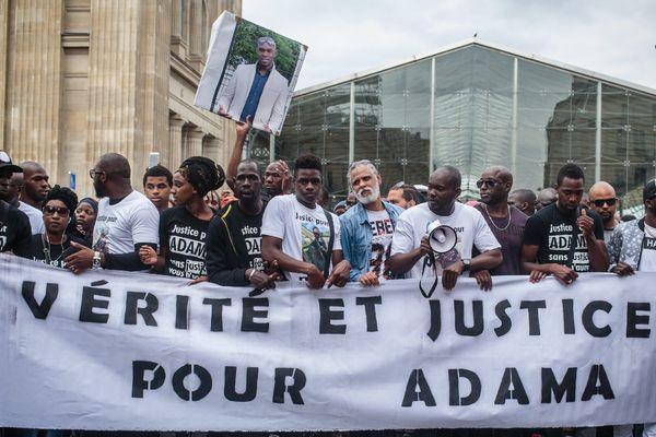 Un rassemblement en mémoire d'Adama Traoré, mort le 19 juillet dernier, lors d'une interpellation policière.