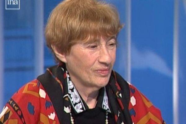 """Anne Clancier dans """"Autour de Midi"""" sur France 3 Limousin en 1994."""
