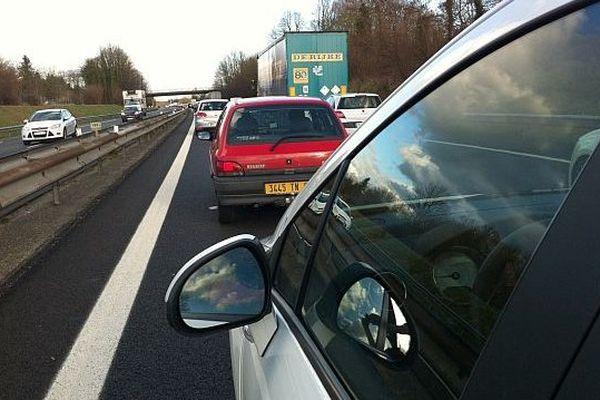Bouchons sur l'A13 à hauteur de Pont-L'Evêque entre Caen et Paris
