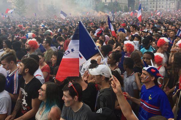 Quand l'Auvergne fête des champions du monde... c'est partout avec le même enthousiasme et la même ferveur, comme ici à Clermont-Ferrand.