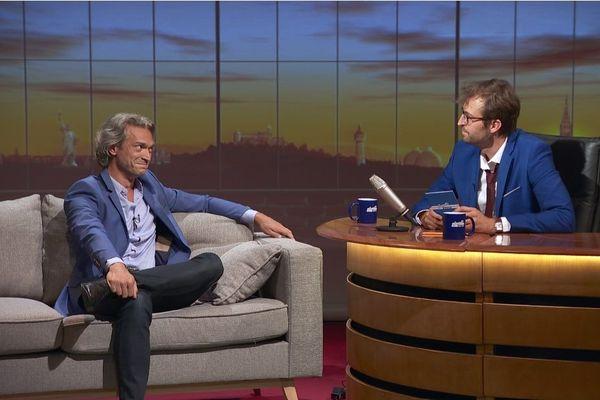 Philippe Sandmann et son envoyé spécial Alex Faure, qui n'aime pas les gens mais aime l'agent