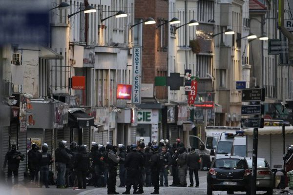 L'intervention des forces de police dans le centre-ville de Saint-Denis.
