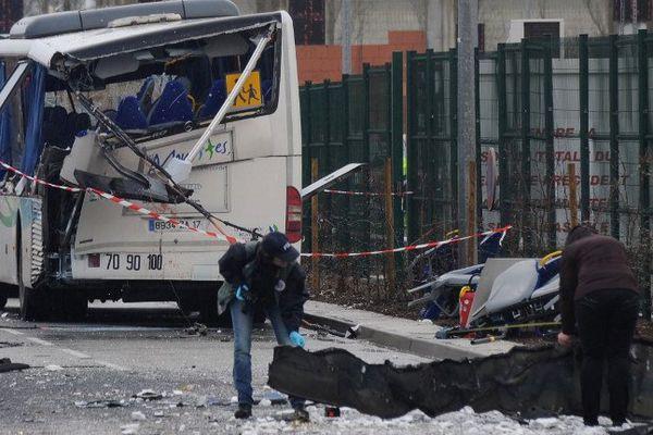 La police scientifique sur les lieux de l'accident